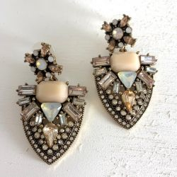 Onyx Crown - Isabella Earring